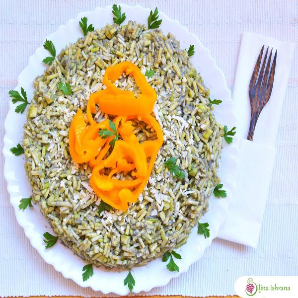 Sirov veganski crni rižoto