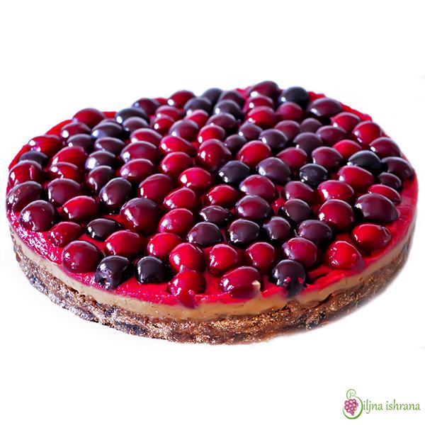 Sirova torta sa trešnjama